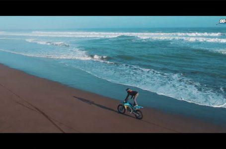 MOTOLIFE :: BEACH WHEELIE // MOTOCROSS WHEELIE DI PANTAI