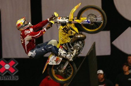 Travis Pastrana lands first double backflip in Moto X history (2006) | ESPN Archives