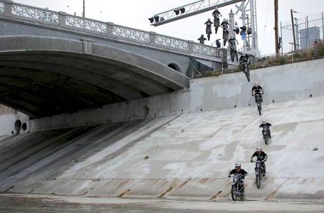 Dirtbike Jumps off Los Angeles Bridge – Colby Raha ▶️😉📳