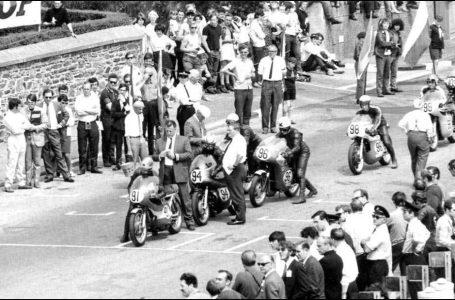 1970 / 71 Isle Of Man – Tourist Trophy [Super8]