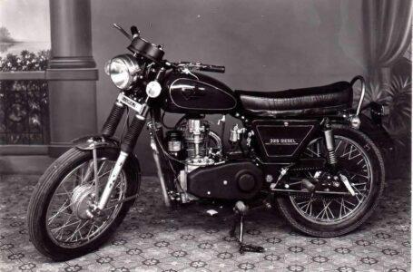 Una de las motos más raras del mundo | Sooraj 325 Diésel