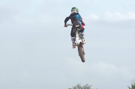 MOTOCROSS KIDS GOING FULL SEND