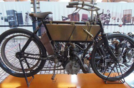 De la primera moto fabricada en España y de Alfredo Landa
